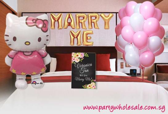 Hello Kitty Marry Me Proposal Ideas in Hotel Room